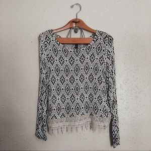 H&M Patterned black and white top